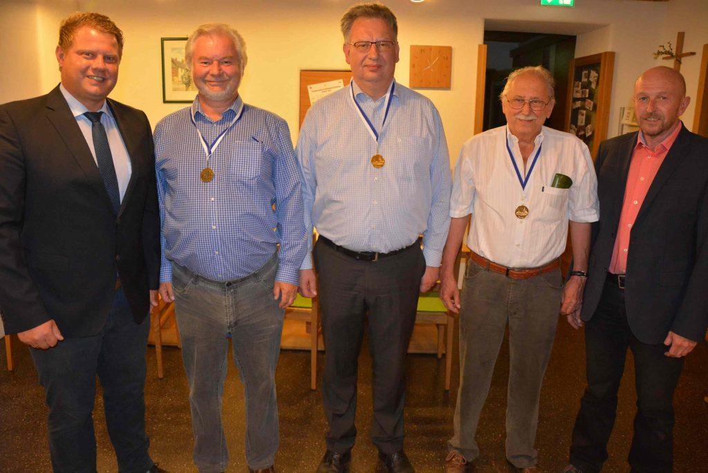 v.l. 2. Bgm Grillmeier, Paul Trapp, Michael Schmid, Herbert Baier, Peter Haibach